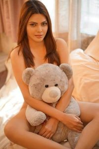 The Fallen Angel – Sherlyn Chopra Official App